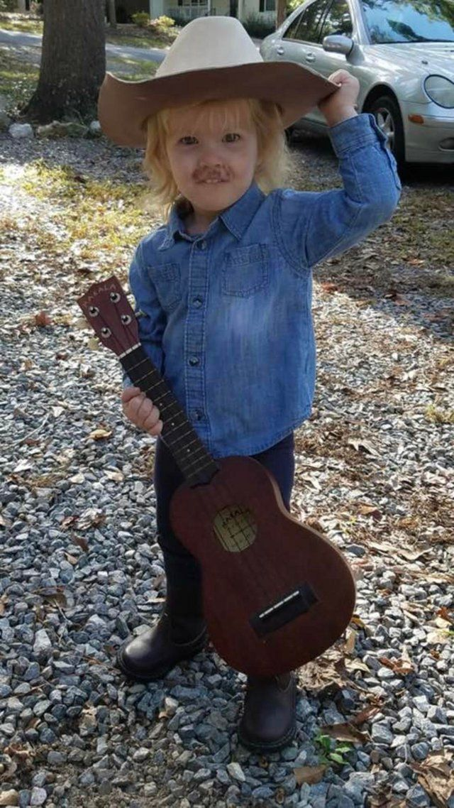 Dressing Your Kid As A Mini Alan Jackson Is Just Great Parenting
