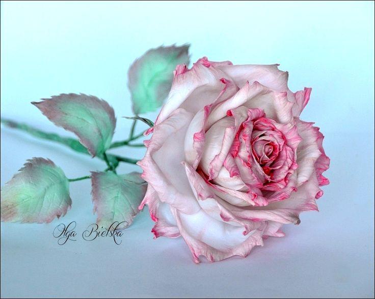 Silk foamiran rose. Róża z foamiranu jedwabnego.