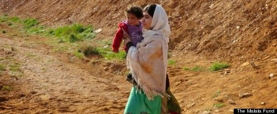 Malala Yousafzai helps Syrian children refugees cross Jordanian border