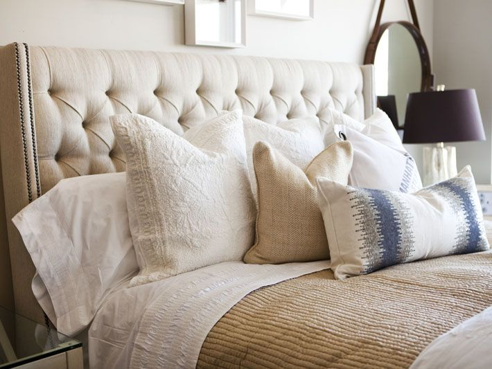 Love pretty much everything about this bed...the colors, the textures...those sheets. Sigh.