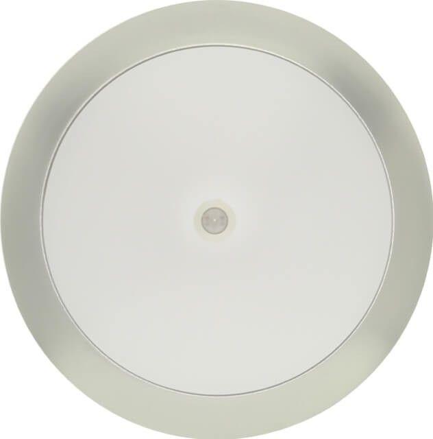 APLICA LED 18W CU SENZOR DE MISCARE este varianta de iluminat in culoare de temperatura alb rece foarte economica atat datorita sistemului de iluminare cu LED dar si faptului ca aplica se aprinde doar cand detecteaza miscare.