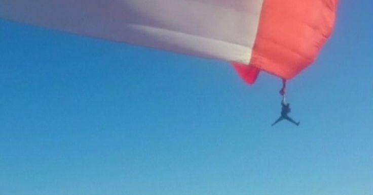 Soldado preso em bandeira 'levanta voo' no Mexico