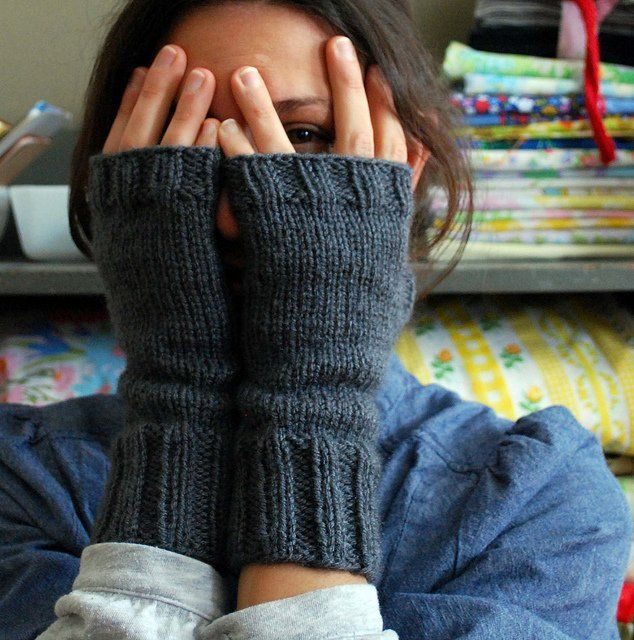 peekaboo mitts, free knitting pattern by abi gregorio on ravelry I found you on…
