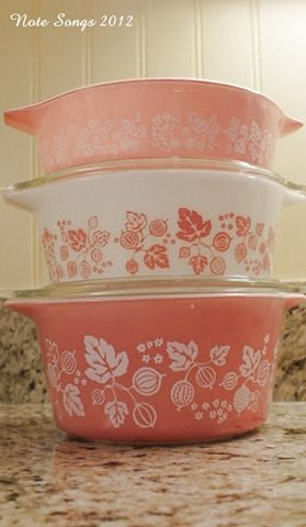 pretty Pyrex: Wedding Shower Gifts, Pretty Pyrex, Vintage Pyrex, Vintage Glass, Pyrex Dishes, Pink, Bowls Dishes, Vintage Kitchen, Luv Pyrex