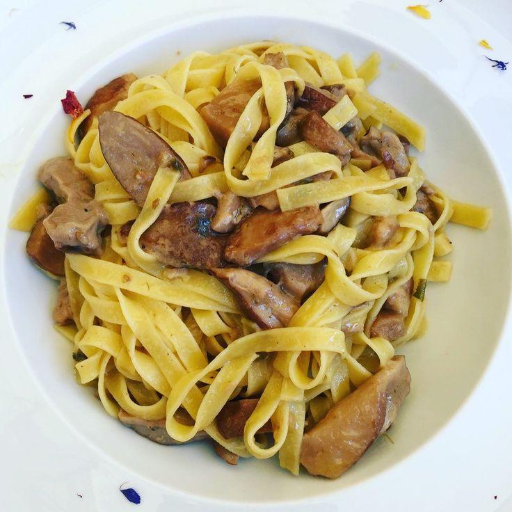 Foodtour durch die Toskana.   https://gourmetunicorns.com/2017/01/12/around-the-world-foodtour-fattoria-la-vialla-toskana/