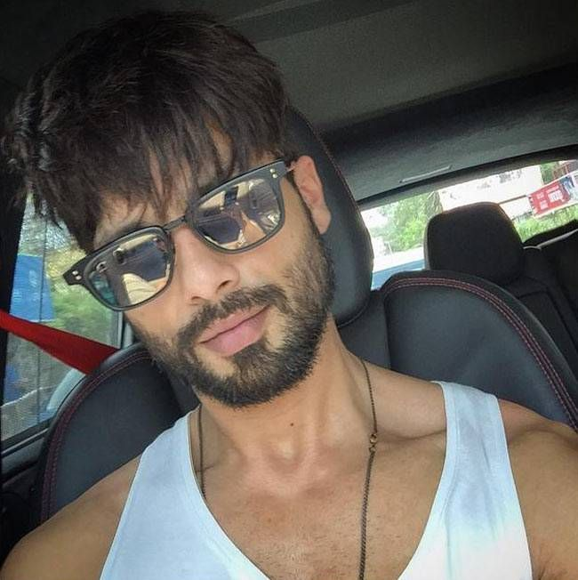 Shahid Kapoor looks hot in this #selfie. #Bollywood #Fashion #Style #Handsome