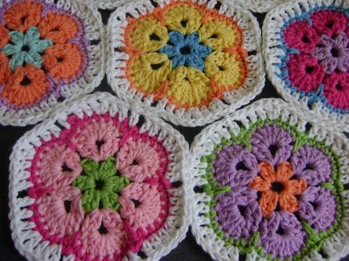 african flower granny hex instructions from Gracious Rain