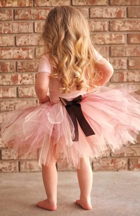 little girls in tulle tutus.