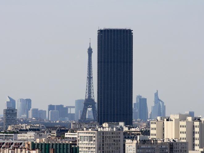[text_output]La Torre Montparnasse es el edificio más alto de Francia. Sus 209 metros de altura te permitirán descubrir París desde un punto de vista inigualable. La llegada al último piso se hace en menos de 38 segundo gracias al ascensor más rápido de toda Europa. Arriba descubrirás un lugar...