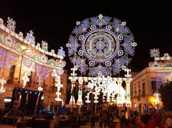 Twitter Alberobello nella magia della sua festa più importante : I santi Medici