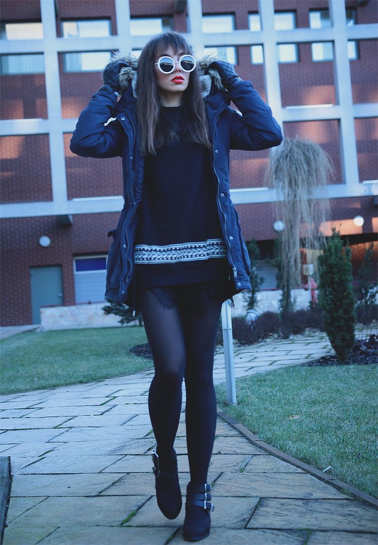 Jointy&Croissanty: navy parka and laces