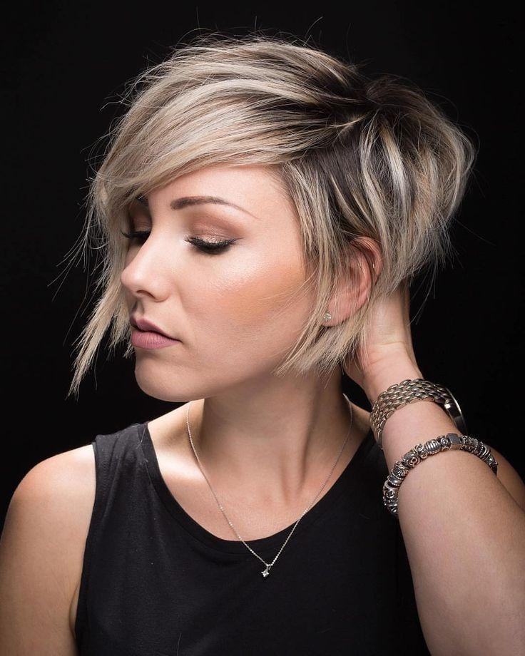 Give yourself a grown-out roots shag hairstyle by saving this look.
