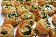 Milföylü Ispanaklı Rulo Börek 5