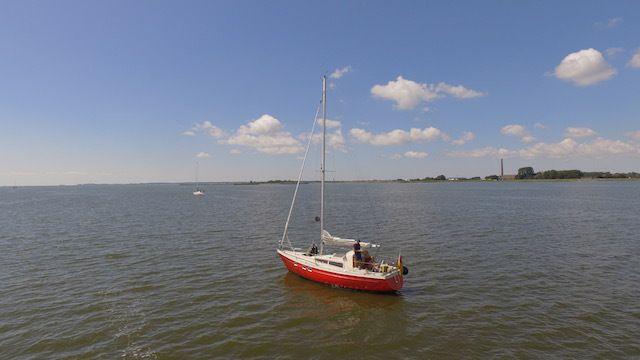 Erste #Luftaufnahmen über dem #IJsselmeer – halber Herzriss inklusive ;-) – SY Rubicon #sailing #Segelboot #Boot #boat #Segeln #Segelblog #Friesland #Blog