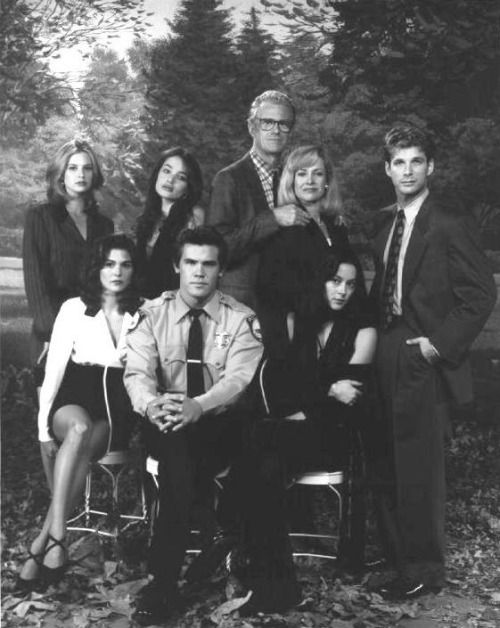 "Megan Ward, Paige Turco, Kristen Cloke, Josh Brolin, Ed Begley, Jr, Catherine Hicks, Meg Tilly and Kurt Deutsch in ""Winnetka Road"""