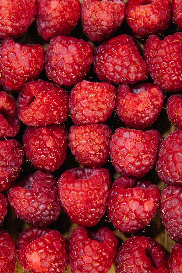 Свежие ягоды для наших напитков #obedbufet #ginzaproject #food #healthy #yummy #love #drink #milk