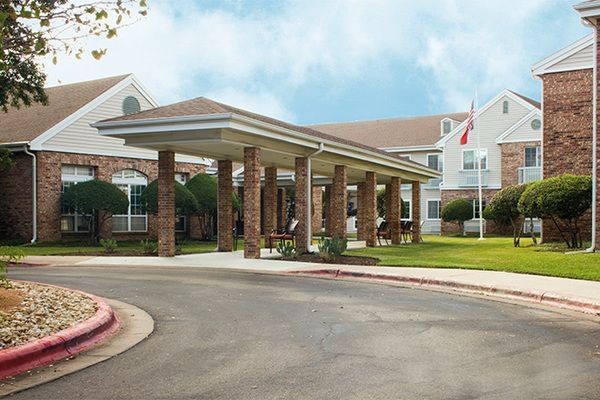 Brookdale Spicewood Springs Is Located In The Northwest Hills Area Of Austin Just Minutes From Beautiful Texa With Images Spicewood Senior Living Communities House Styles