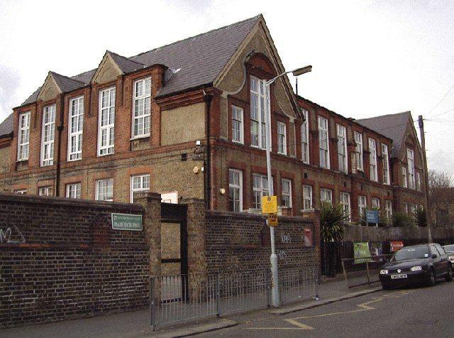 Rathfern Primary School By Graham Ross Via Geograph Catford London S E 6 Pinterest Nostalgia