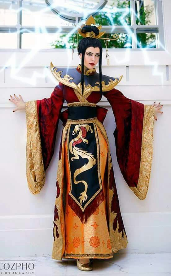 Firelord Azula from Avatar: The Last Airbender Cosplay by Lisa Lou Who