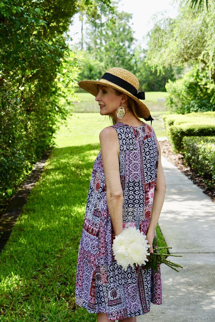 This Florida Girl Loves A Good Dress Sharing A Journey Elegant Summer Outfits Fashion Over 50 Fashion For Women Over 40 [ 1104 x 736 Pixel ]