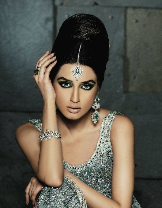 Google Image Result for http://www.glowpakistan.com/news/Umar-sayeed-bridal-collection-2011-.jpg