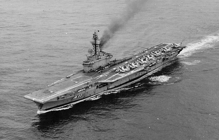 O porta-aviões Minas Gerais, antes de ser incorporado a Marinha do Brasil, serviu na Inglaterra e Austrália (Foto - FAB)