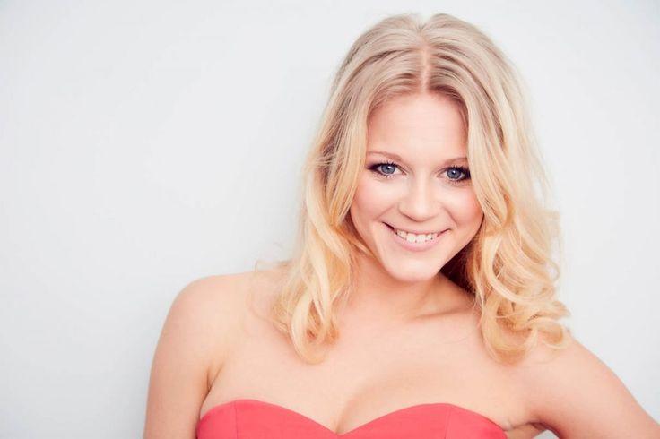 Julia Lindholm – singt ABBA-Hits