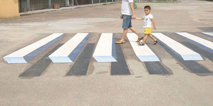 Βάφουν τρισδιάστατες διαβάσεις πεζών για να μειώσουν τα τροχαία