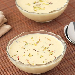 hyderabadi phirni, Lakhnawi dishes vs Hyderabadi dishes, hyderabadi dessert, Hyderabadi traditional food