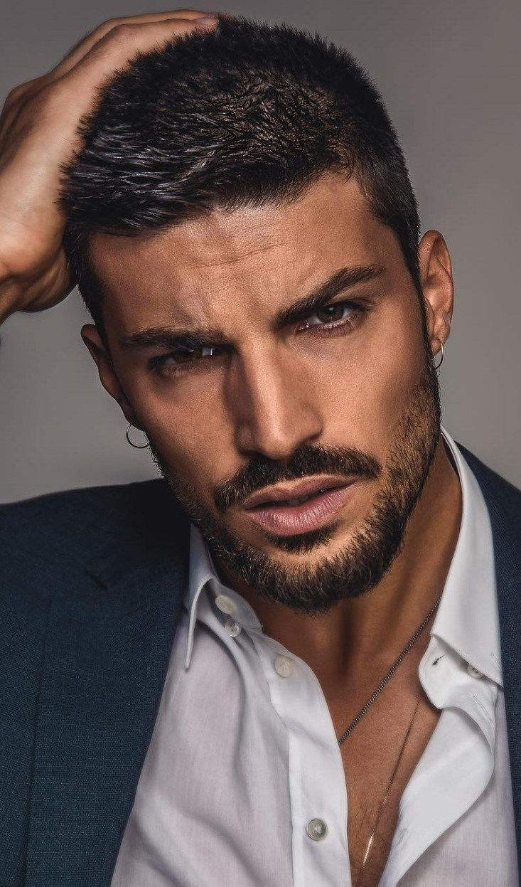 Simple Stylish Short Haircut For Men To Try This Year Mens Haircuts Short Stylish Short Haircuts Cool Hairstyles For Men