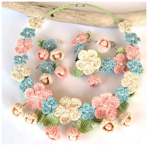pink blue crochet necklace,pastel crochet set, crochet jewelry,shabby chic jewelry, shabby chic necklace