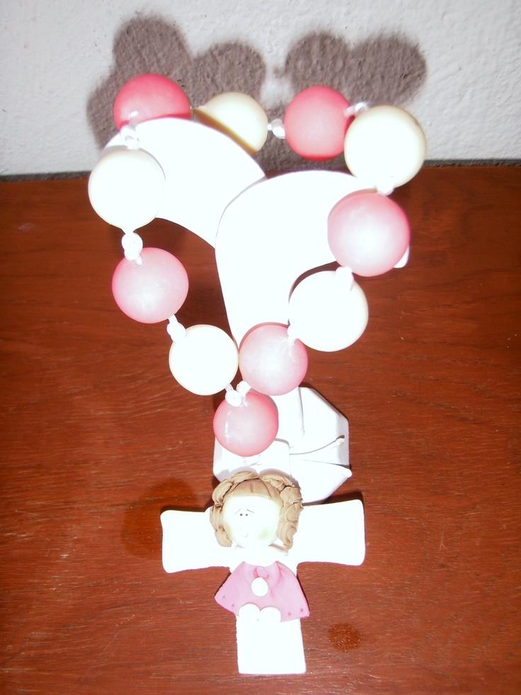 $50 Rosario hecho de pasta francesa, se puede utilizar como adorno o recuerdo para eventos..