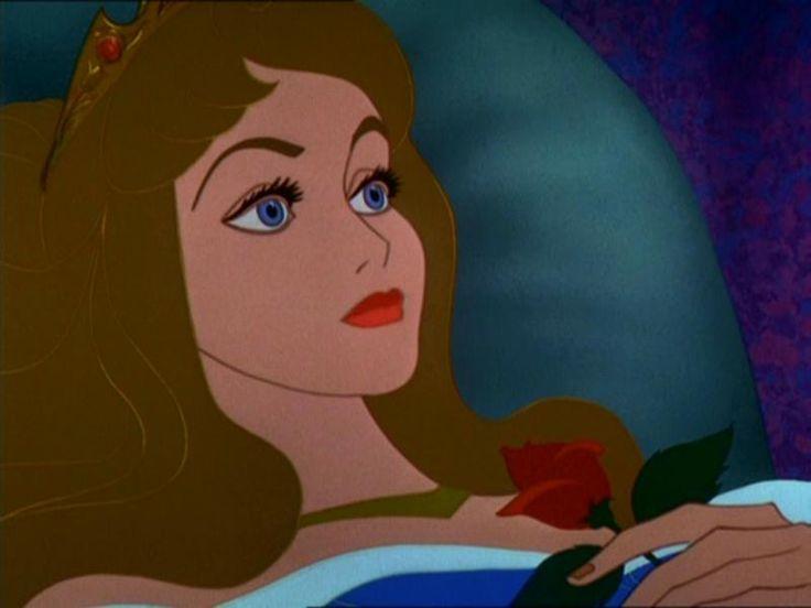 Aurore se réveille après le baiser du prince