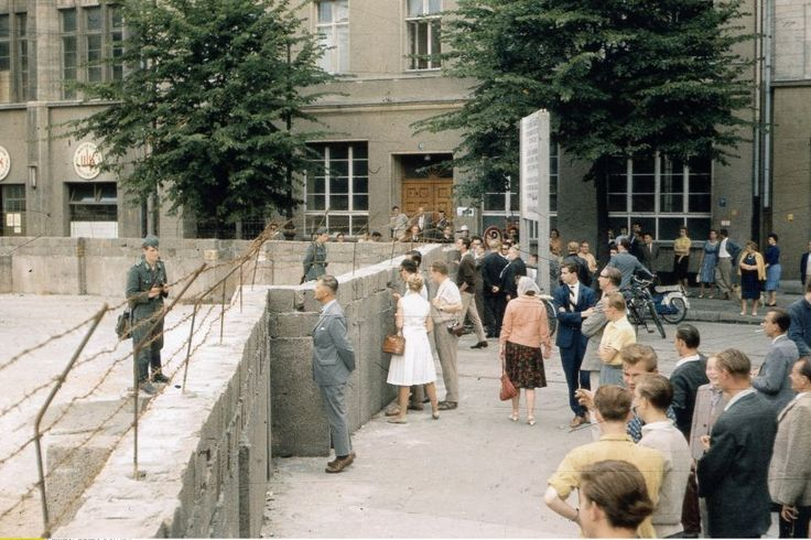 2350 People in Berlin, shortly after the wall was build.