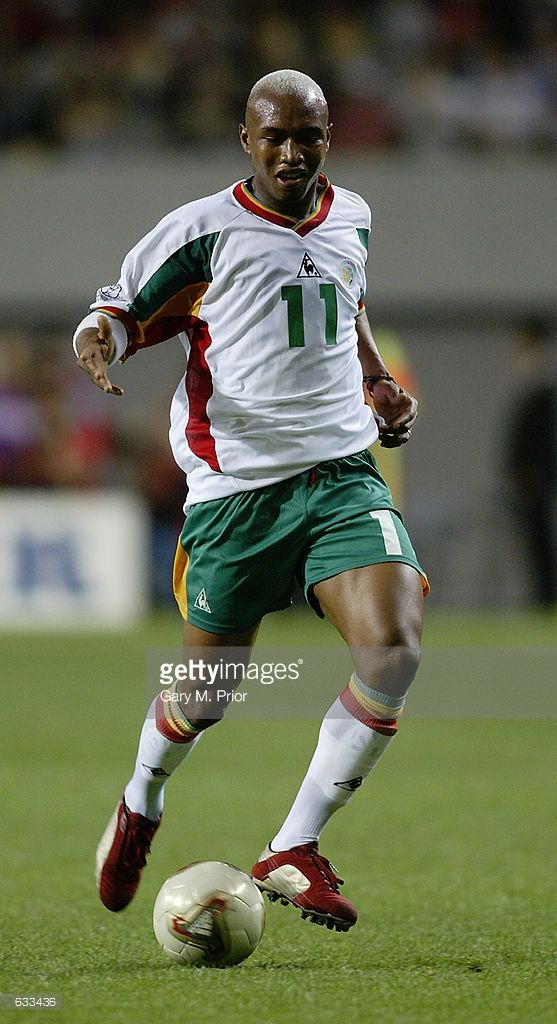 el-hadji-diouf-of-senegal-in-action-during-the-france-v-senegal-group-picture-id633436 (557×1024)
