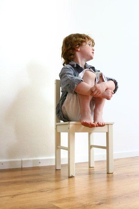 Het breken van de weerbarstige kinderwil: Straffen en belonen