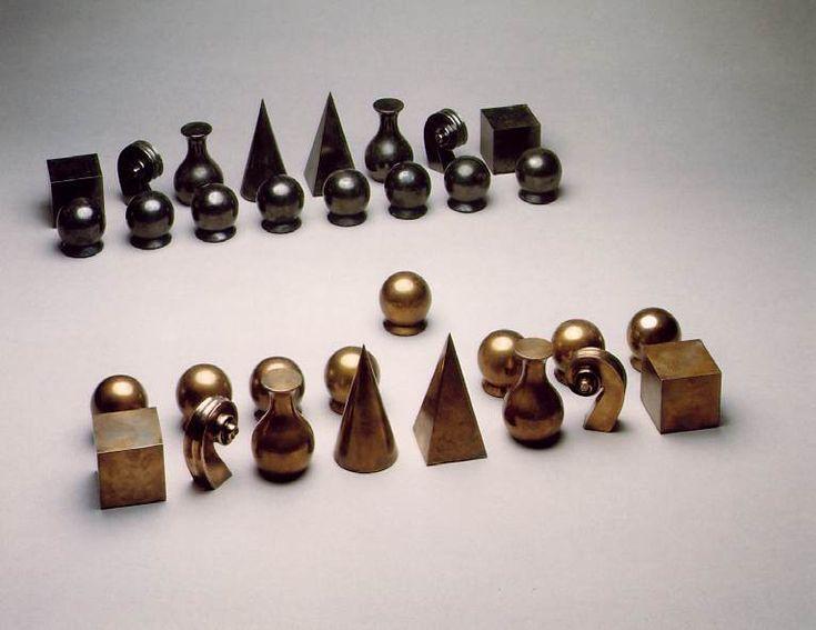 Google Image Result for http://files.chesscomfiles.com/images_users/tiny_mce/kohalloren/chess_set.jpg