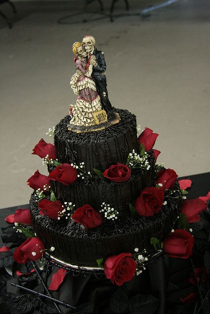 gothic wedding cake toppers uk 17 best images about wedding dresses cakes tables 14886