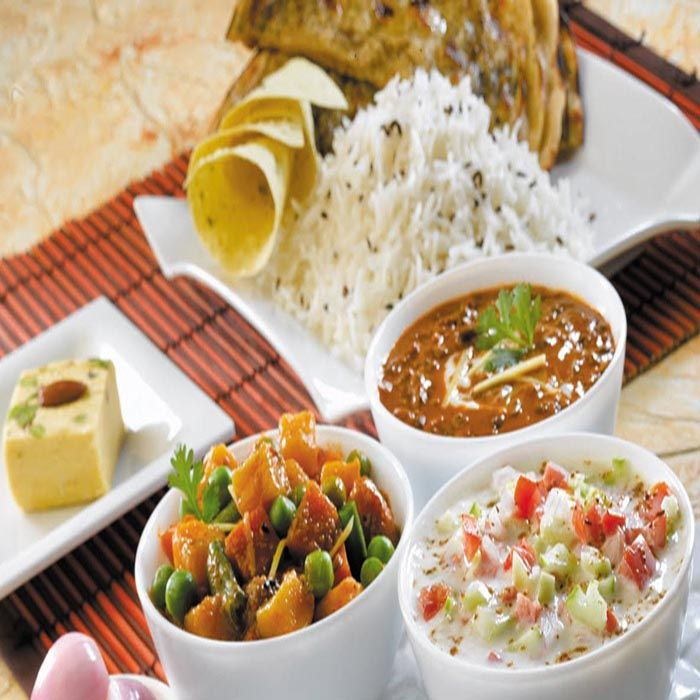 Veg Restaurant In Uae Bombaybasera Veg Restaurant Veg Dishes Best Vegetarian Restaurants