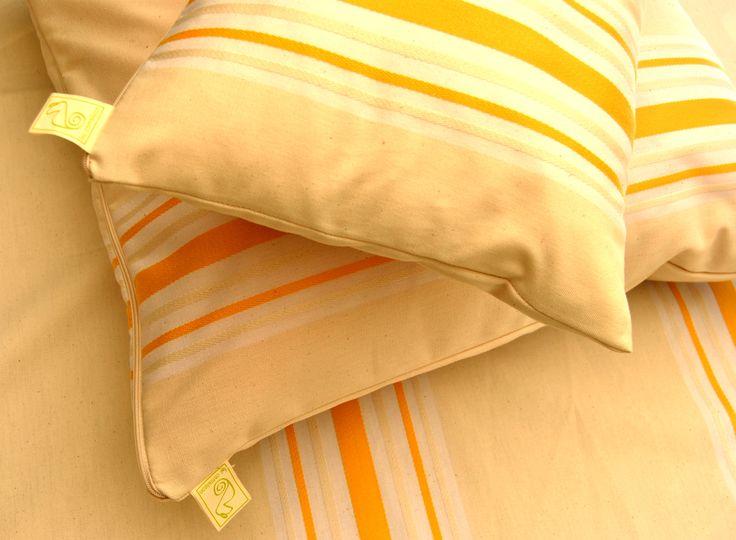 Fundas de cojines, manteles, servilletas, delantales, paños de cocina,... Modelo en stock con entrega inmediata.