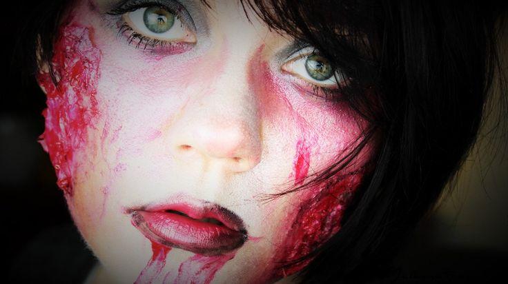 Halloween Make-up Tutorial wunde-mit-toilettenpapier-herstellen