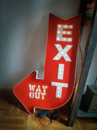 Cartel luminoso Exit por LaCasadelosGamusinos en Etsy