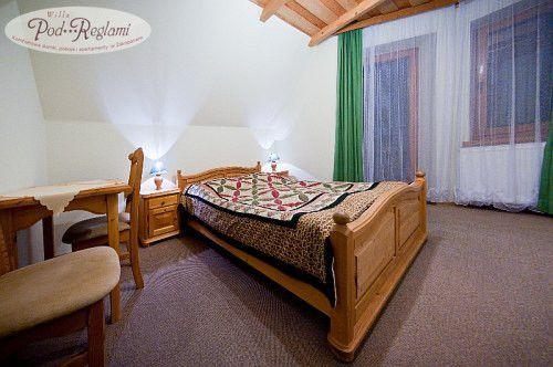 Pokój nr 4 - na I piętrze, 2 osobowy, w pokoju balkon z widokiem na Giewont  http://www.podreglami.pl/zakwaterowanie/pokoje-2-osobowe.html