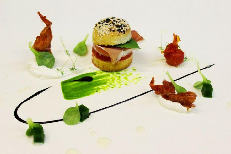 """""""Gustosamente… Panino da Re al Prosciutto di Parma dello Chef Gigi Ferraro http://www.informacibo.it/_sito/cucina-nel-mondo/panino-prosciutto-di-parma-ferraro/"""