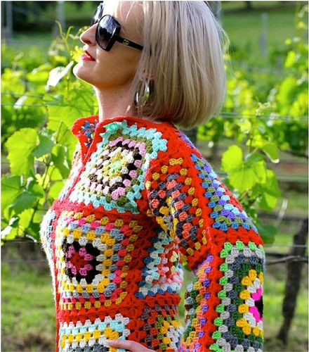 Meer dan 1000 idee?n over Granny Square Sweater op ...