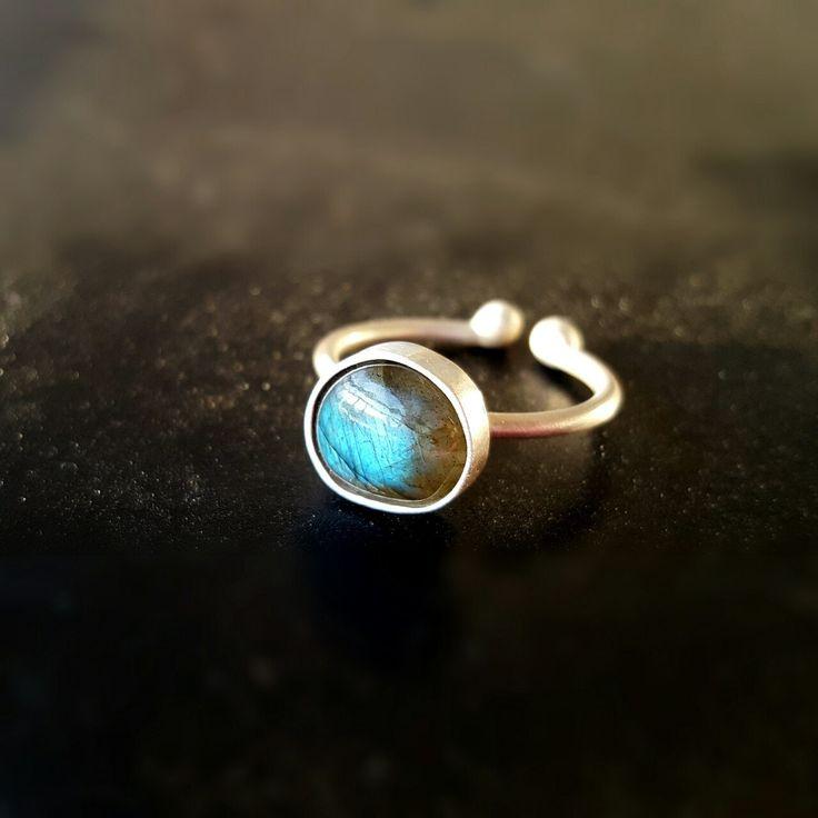 Labradorite Ring Gemstone Ring Labradorite Jewelry Stacking Ring Labradorite Stone Ring Statement Ring by INNOCENTIJEWELRY on Etsy
