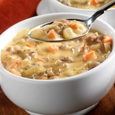 Bacon and Potato Chowder.. weight watchers  2 cups potatoes, cut into small cubes   4 oz Canadian-style bacon, cut into 1/4-inch pieces   1 large carrot, diced   1 cup leeks, chopped, white part only   3 medium garlic cloves, minced   4 cups fat-free chicken broth   1/2 cup uncooked barley   1 bay leaf   1/4 tsp dried thyme, crushed   1/4 tsp black pepper   1 cup fat free half and half by ksrose