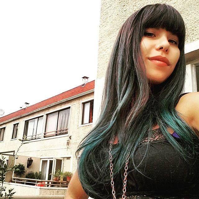Con el cabello verde verde!! <3 <3