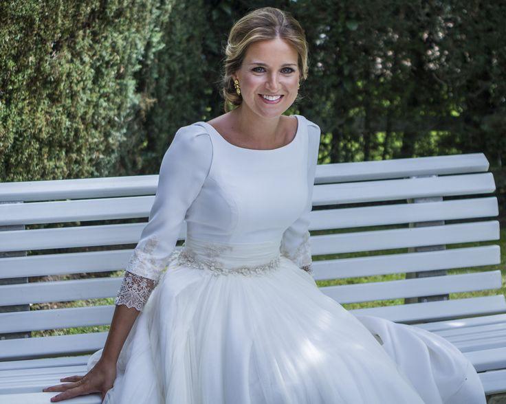 Rocio Wedding. Dress: Navascues, Photo: Instantanea&Tomaprimera