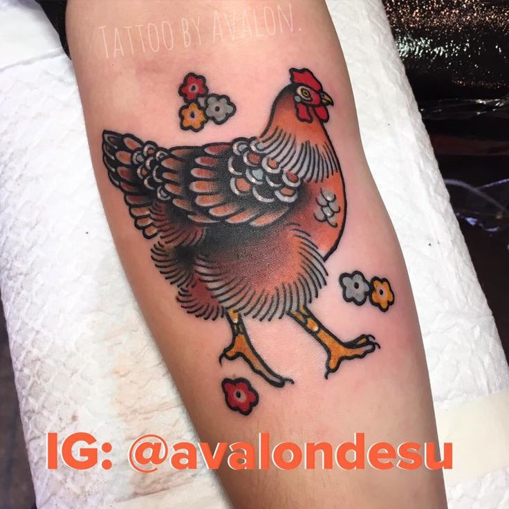 Amazing hen tattoo